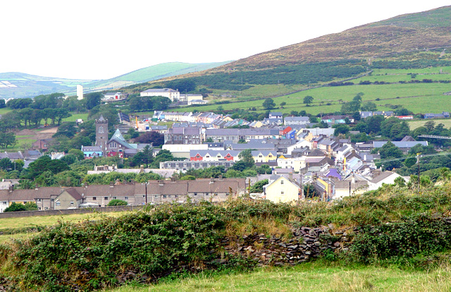 Approaching_Dingle_Town_from_the_southwest_-_geograph.org.uk_-_919212